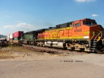 BNSF 4668 3rd unit sb stack train